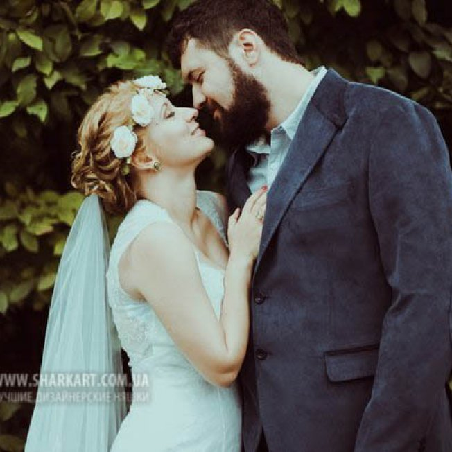 Свадебный ободок из молочных роз