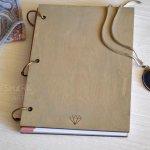 Планер в деревянной обложке с гравировкой