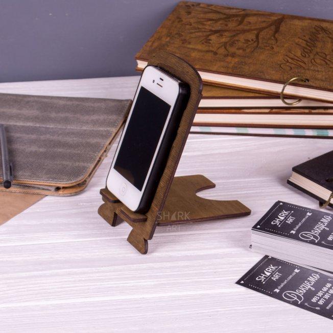 Деревянная подставка под смартфон