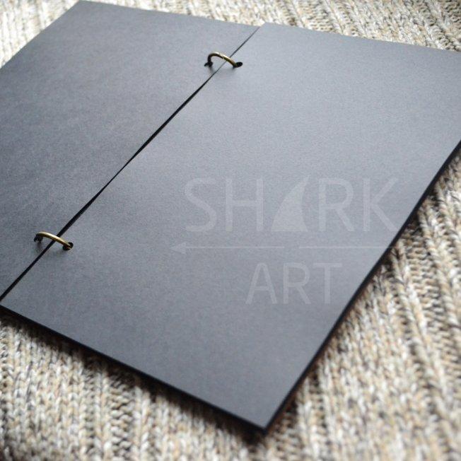 """Скетчбук А5 с черными листами """"Олень Хипстер"""""""